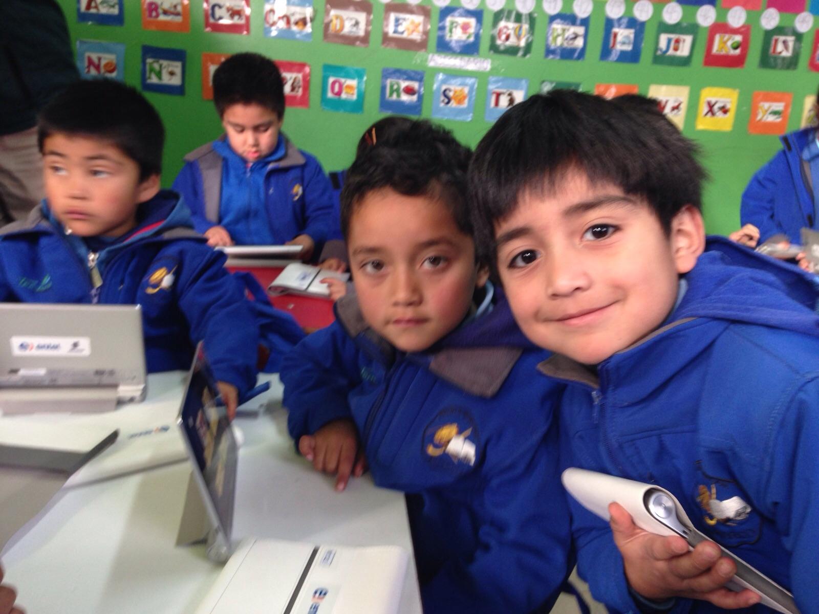 Cerca de 400 niños de la Araucanía reforzarán la lectura en Mapudungún con tablets