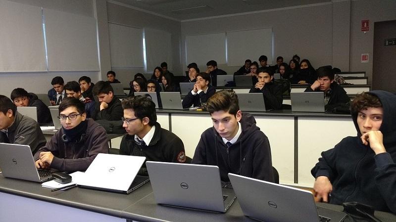 145 alumnos están aprendiendo a programar apps en Academia de Apps «programa tus Ideas»