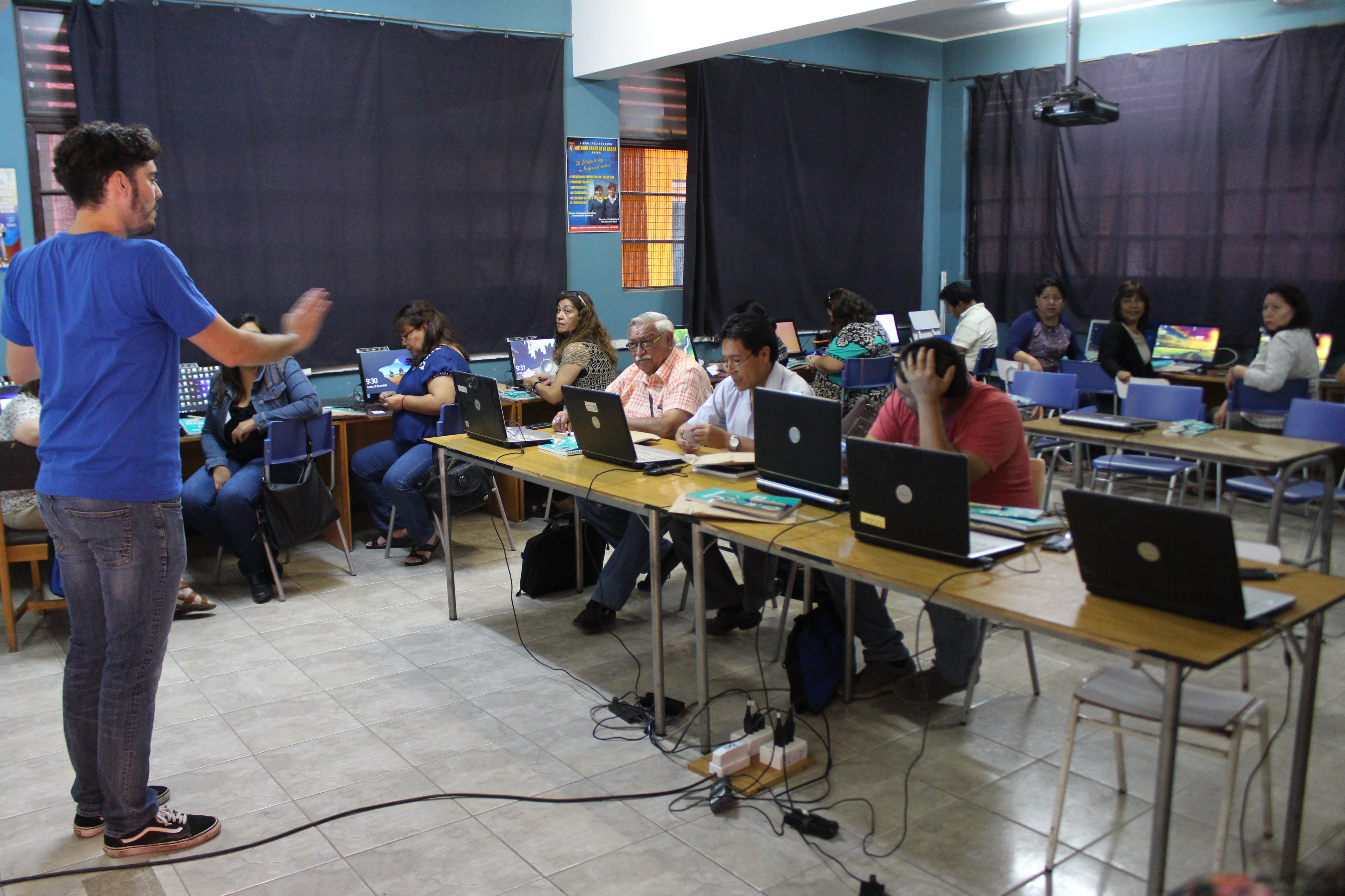 Medio centenar de profesores Ariqueños se capacitarán en programación de aplicaciones móviles