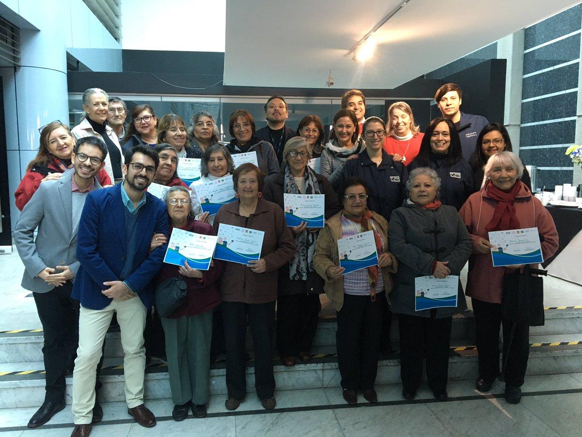 País Digital participó de Taller «Mi primera Selfi: adultos mayores y transformación digital»